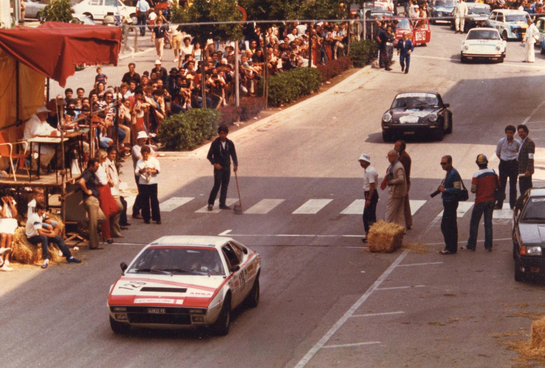 1981 Partenza De Tomaso Pantera e Porsche 911 gr.3